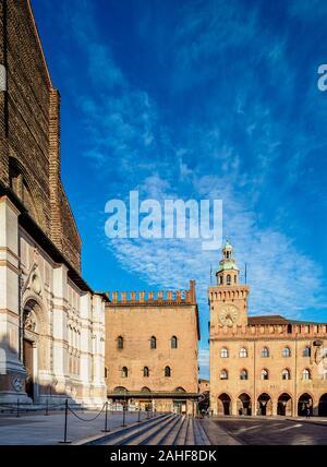 El Palazzo d'Accursio, Piazza Maggiore, Bolonia, Emilia-Romaña, Italia