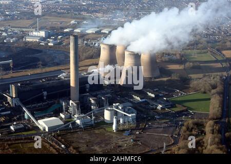 Vista aérea de Fiddlers Ferry Power Station, Warrington, Cheshire, Reino Unido