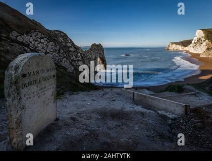 Puerta a Puerta de Durdle playa en Dorset, Inglaterra.
