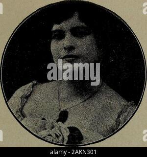 El Salvador al vuelo; notas, impresiones y perfilesRepublica de El Salvador, América Central, 1917 . Señorita Elena Ruano. Señorita Teresa Cobos