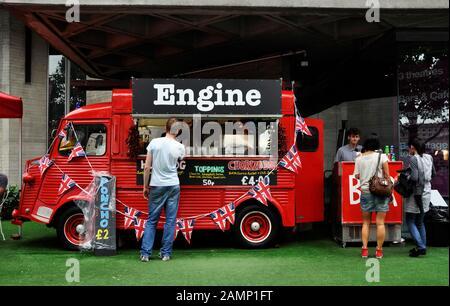 Red Citroen H Van en Londres, Reino Unido
