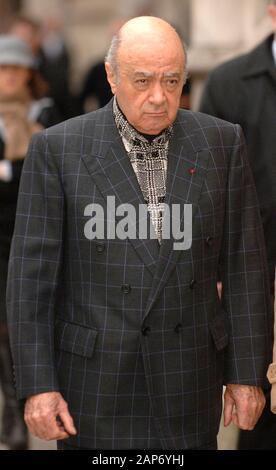 Mohamed al-Fayed comparece ante el Tribunal Superior de Londres para la búsqueda de las muertes de su hijo Dodi Fayed y la princesa Diana.
