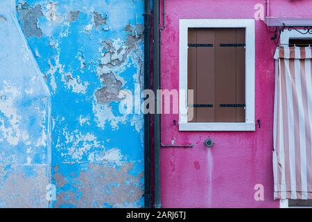 Las coloridas casas de Burano, Laguna de Venecia, Venecia Italia