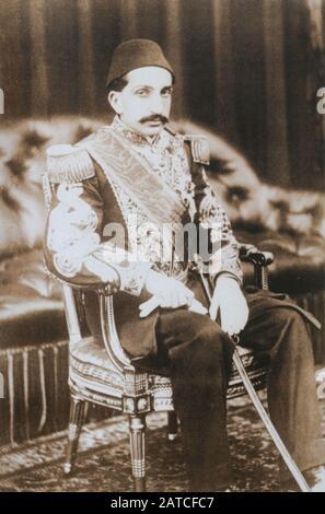 Sultán Otomano Abdul Hamid II (Abdulhamid II). Abdul Hamid II fue el 34º sultán del Imperio Otomano y el último sultán en ejercer un control efectivo sobre el estado fracturado.