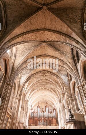Interieur, Orgel en der Kasthedrale von Bordeaux, Burdeos, Aquitania, Frankreich