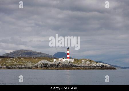 Faro Eilean Glas, Scalpay, del mar, Western Islands, Escocia Foto de stock