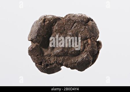 Figura sin patas (?), Sello de arcilla, arcilla seca, Color: Marrón, forma: Casi redonda (sello), procesamiento :, Método:, 12 x 10 mm
