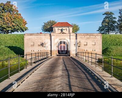 23 de septiembre de 2018: Copenhague, Dinamarca - la entrada principal de Kastellet, una fortaleza del siglo XVII que sigue siendo un establecimiento militar activo.