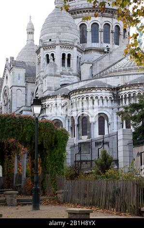 Una vista cerrada de la Basílica del Sacre-Coeur en Montmartre.Paris.France Foto de stock