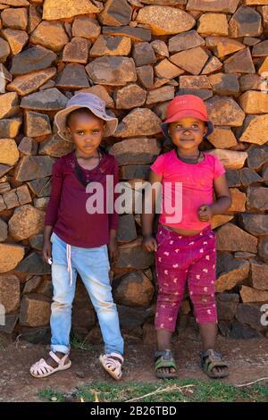 Niños Basotho, Malealea, Lesotho Foto de stock
