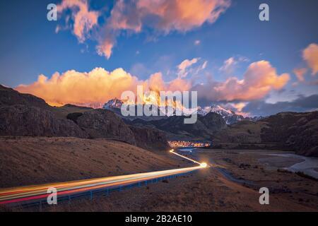 Tráfico En Dirección Al Monte Fitz Roy, El Chalten, Argentina