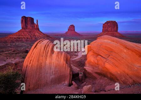 Ee.Uu., Estados Unidos De América, Monument Valley, Reserva Navajo, Utah, Meseta De Colorado, Sombrero Mexicano, Región De Cuatro Esquinas, Olijato, Arizona Foto de stock