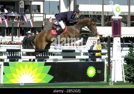CSIO Masters, Spruce Meadows, septiembre de 2001, Ludo Philipaerts (BEL) montar a caballo Foto de stock