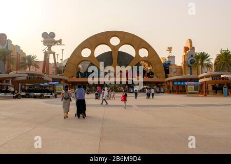 Dubai / EAU - 9 de marzo de 2020: Entrada de Motiongate en Dubai Parks and Resorts. Motiongate es un parque temático inspirado en Hollywood.