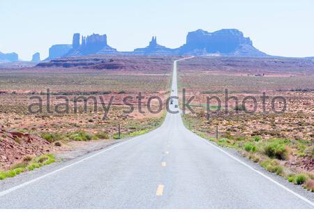 Country Road, Monument Valley, Arizona, EE.UU., Foto de stock