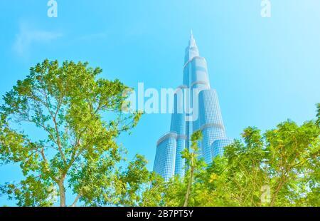 Dubai, EAU - 01 de febrero de 2020: Edificio Burj Khalifa en Dubai, Emiratos Árabes Unidos
