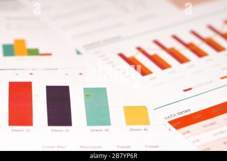 papel gráfico o gráfico. Concepto de datos financieros, de cuentas, de estadísticas y de negocios. Gráficos gráficos papel de hoja de cálculo. Desarrollo financiero, cuenta bancaria