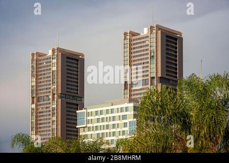 Torres de Santa Cruz - es el nombre de dos torres residenciales similares en el distrito de Cabo Llanos. Los edificios fueron diseñados por el arquitecto Julián V