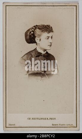 Retrato de Delphine Lissy o Lizy (actriz) Retrato de Delphine de Lissy ou Lizy, actrice. 1860-1890. Carta de visita (recto). Tirage sur papier albuminé. Fotografía de Charles Reutlinger (1816-1880). París, musée Carnavalet.