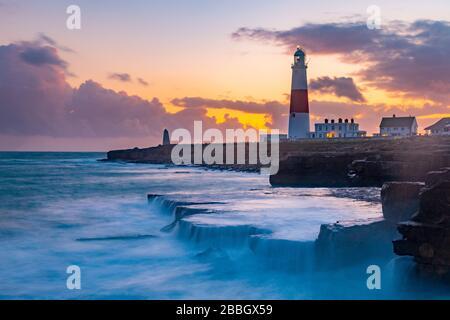 Reino Unido, Inglaterra, Dorset, Portland Bill, Portland Bill Lighthouse, Sunset