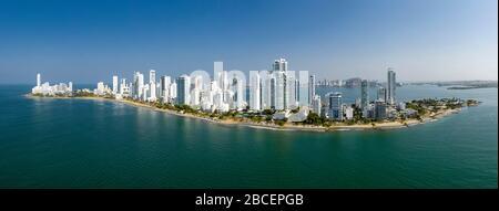 Hermosa vista panorámica aérea de la isla del distrito de Bocagrande, Cartagena, Colombia