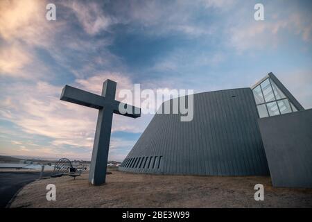 Blonduos Blonduoskirkja iglesia en Islandia
