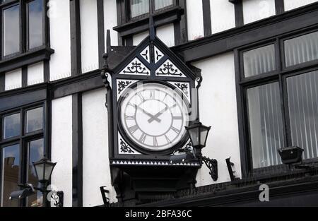 Reloj de la ciudad en Castle Street en el barrio opulento de Dalkey en el condado de Dublín Foto de stock