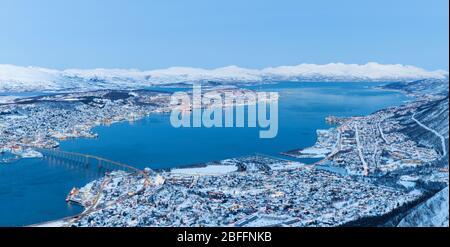 Vista panorámica de Tromso, Noruega, Tromso en invierno, Navidad en Tromso, Noruega