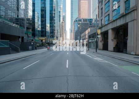 Centro de Toronto durante la pandemia COVID-19 - calles vacías de la ciudad