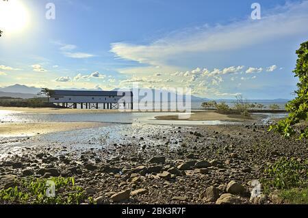 El muelle de azúcar en Port Douglas en la costa este de Australia