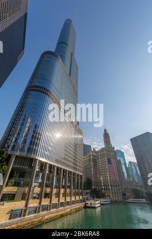 Vista del edificio Wrigley y del río Chicago, Chicago, Illinois, Estados Unidos de América, Norteamérica