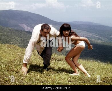 SEAN CONNERY, MIE HAMA, sólo se vive dos veces, 1967 Foto de stock