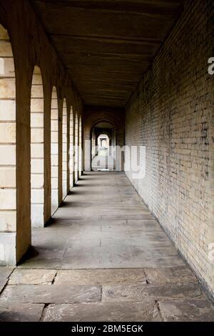 Cementerio Brompton, Kensington, Londres; uno de los cementerios de Londres 'Magnificent Seven', construido en 1840, que abarca 16 hectáreas con 205,000 tumbas.