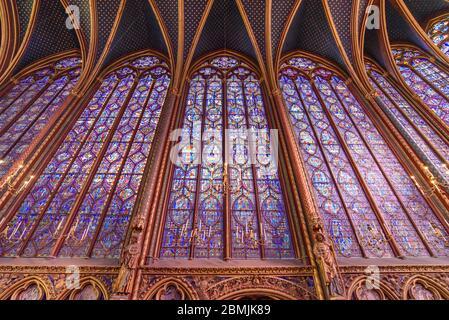 Vidrieras de la Capilla Superior de Sainte-Chapelle en París, Francia