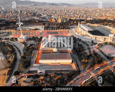 Vista aérea anillo Olímpico o Anella Olímpica y Palau Sant Jordi Estadi Olímpic y Montjuïc Torre de Comunicaciones. Juegos Olímpicos 1992 Barcelona Catalo