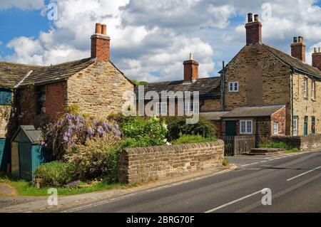 Reino Unido, South Yorkshire, Rotherham, Wentworth, Cabaña junto a B6090
