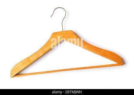 Percha clásica de madera para ropa aislada sobre fondo blanco, vista superior