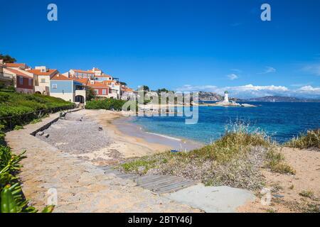 Playa y faro de Porto Faro, Palaos, Provincia de Sassari, Cerdeña, Italia, Mediterráneo, Europa