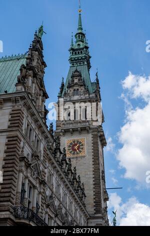 Ayuntamiento de Hamburgo, Alemania. El edificio fue construido en el siglo XIX y es la sede del gobierno de Hamburgo y el primer alcalde