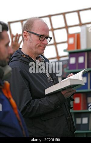 Adrian Edmondson en el hay Festival de Literatura y Artes 2014, hay on Wye, Wales UK ©PRWPhotography