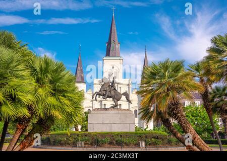 New Orleans, Louisiana, EE.UU en Jackson Square y la Catedral de St. Louis.