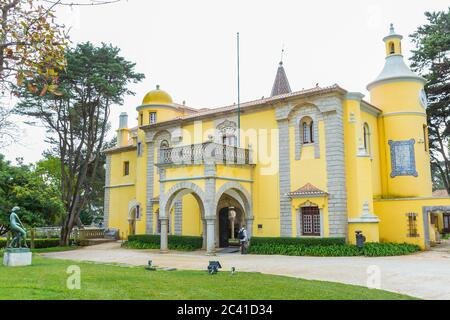 Museo Condes de Castro Guimarães (Torre de S. Sebastião), Cascais, Lisboa, Portugal. Arquitectura : Neomromanticismo & Neogótico