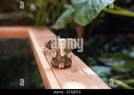 Deidad Ganesha en bronce Foto de stock
