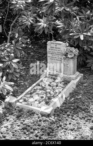 Niño grave, Cementerio Militar de Netley