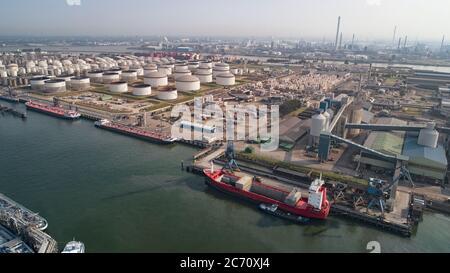 Planta de refinería de petróleo de la zona industrial, Vista aérea