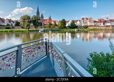 Fortificación de la ciudad, Metzgerturm, Fischerviertel, Ulm Minster, Danubio, casco antiguo, Ulm, Baden-Württemberg, Alemania
