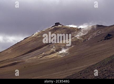 Parte superior de la zona de Namafjall - geotermar en el norte de Islandia Foto de stock
