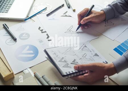 Diseño gráfico dibujo dibujo dibujo diseño de bocetos ideas creativas Borrador Logo producto Marca Marca Marca Marca de arte. Diseño gráfico concepto de estudio.
