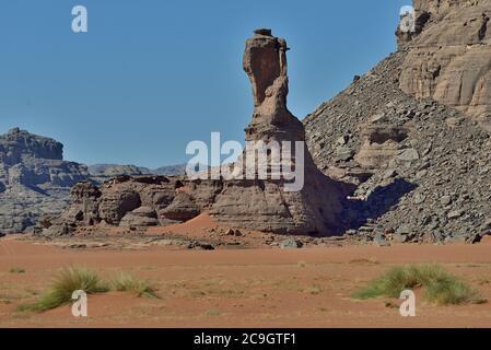 TADRART ROUGE , ARGELIA. DESIERTO DEL SAHARA. TIN MERZOUGA Y MUUL N AGA DUNAS DEL DESIERTO Y PATRONES DE ARENA.