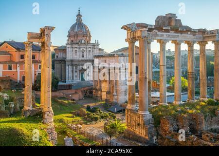 Foro al amanecer, Patrimonio de la Humanidad de la UNESCO, Roma, Lazio, Italia, Europa